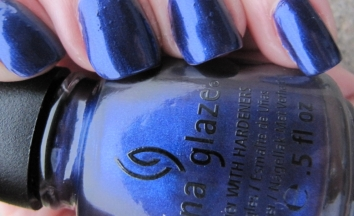 swatch on nails of Bizarre Blurple by China Glaze