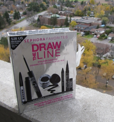 """Draw The Line"" eye liner starter kit"