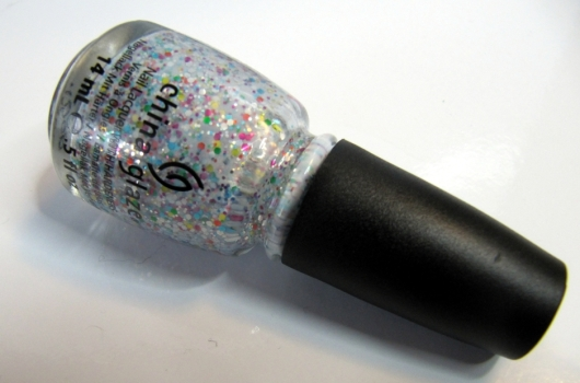 Its a trapeze nail polish by China Glaze/confetti nail polish by China Glaze
