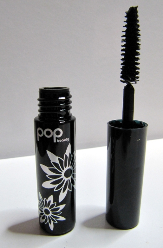 Smoky Lash KAPOW mascara by POP beauty
